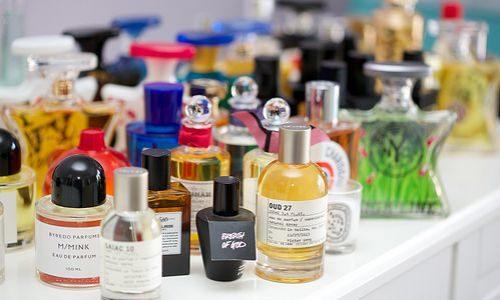 人気の香水が廃盤になってしまうのはなぜ?廃盤香水の入手方法