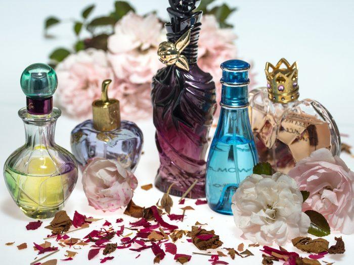 新しい香水を購入したら香りに慣れよう!ワンプシュで手放すのはもったいないよ!